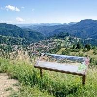 Почивка и туризъм в село Момчиловци
