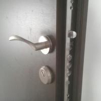 Изгодни блиндирани и пожароустойчиви врати