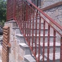 Метални врати, парапети, огради