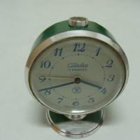 Продавам стар руски часовник Слава